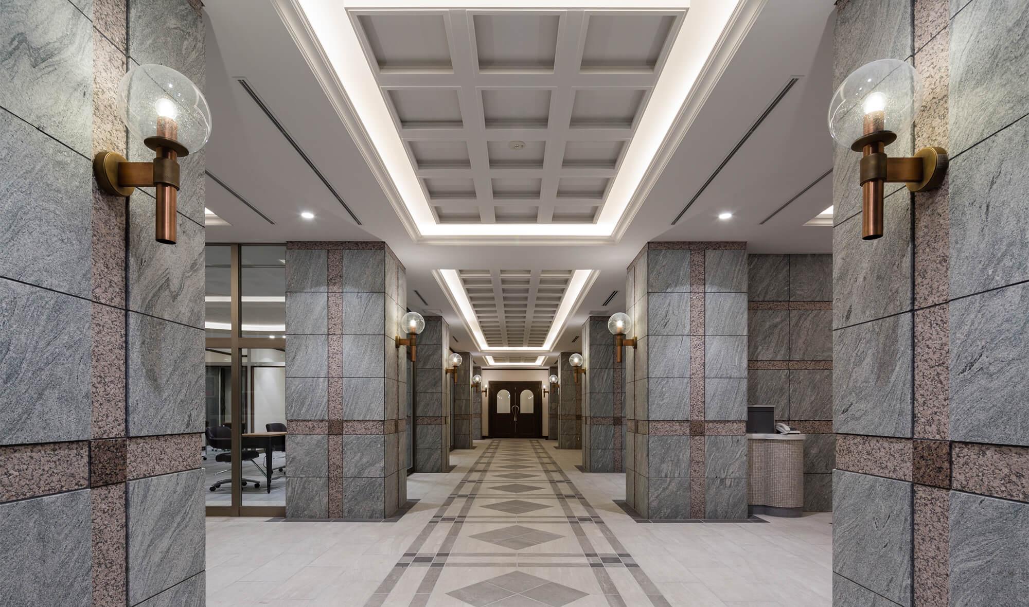 エントランスから廊下
